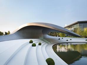 Porsche-Pavilion-de-HENN-Architects