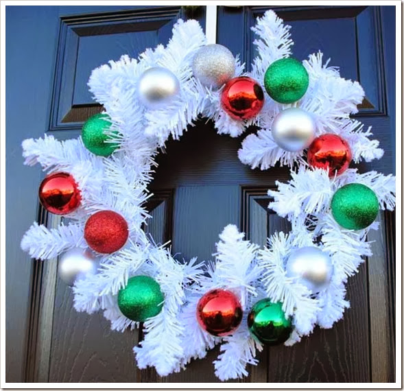 DIY-Christmas-Wreaths-for-Front-Door-Decorative-Wreath-Click-Pick-for-24-Easy-Christmas-Decorating-Ideas