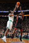lebron james nba 130127 mia at bos 12 Boston Outlasts Miami in 2nd OT. LeBron Debuts Suede X PE!
