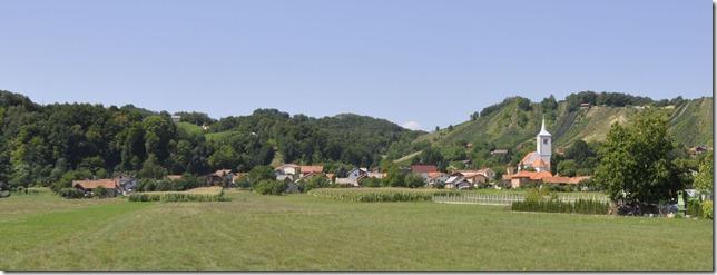 035-village Croatie cestina