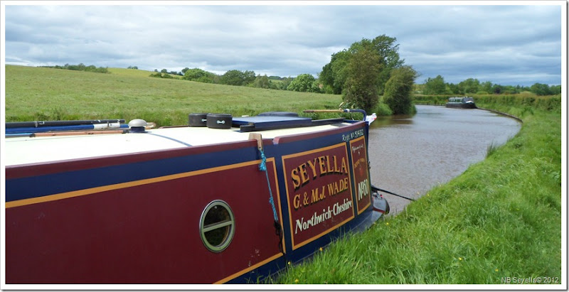 SAM_0705 Moored Near Hartshill