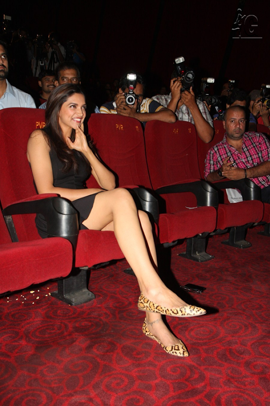 Deepika Padukone at Yeh Jawaani Hai Deewani Trailer Launch