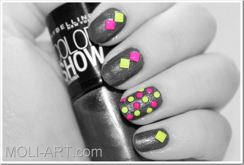 nail-art-tachuelas-neon-bn