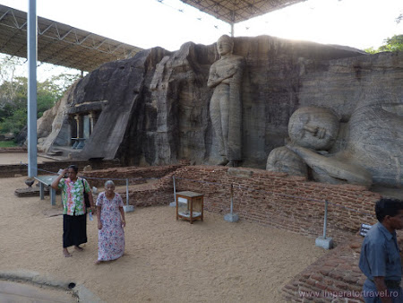 13. statui gigant cu Buda.JPG