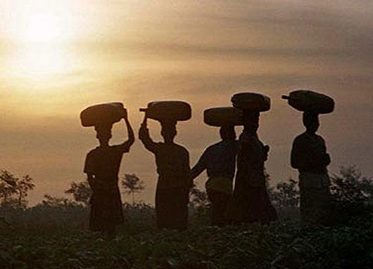 katine-rwanda-women