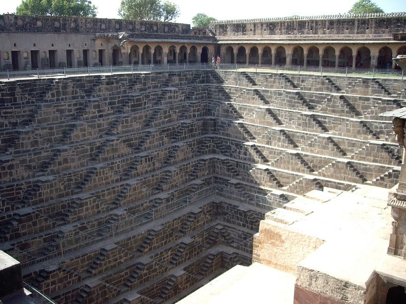 chand-baori-18
