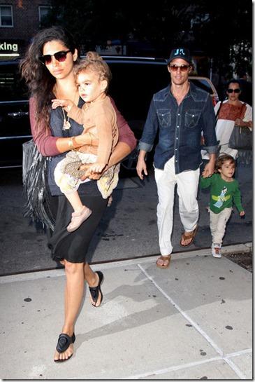 Camila Alves Matthew McConaughey Camila Alves 7nfnmJf-iRVl