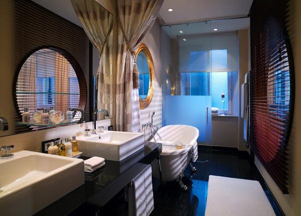 حمام فندق كمبنسكي