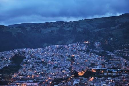 Obiective turistice Ecuador: Quito noaptea
