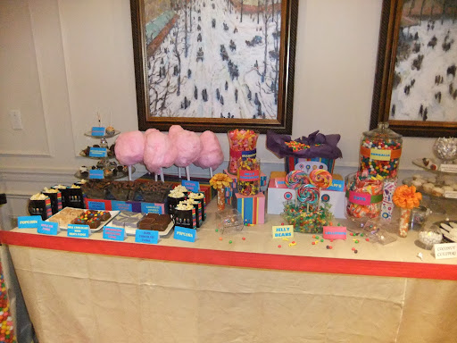 Who doesn't love Dylan's Candy Bar?!