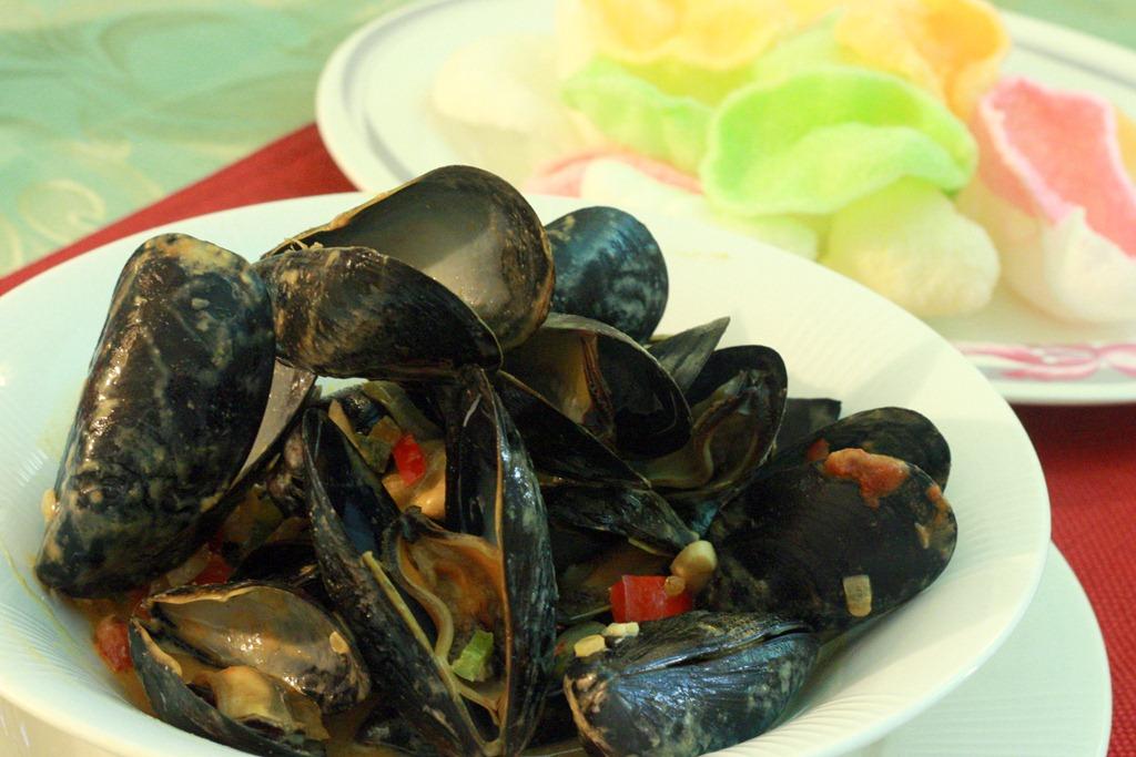 [Thai-curry-paste-mussels-coconut-milk%255B4%255D.jpg]