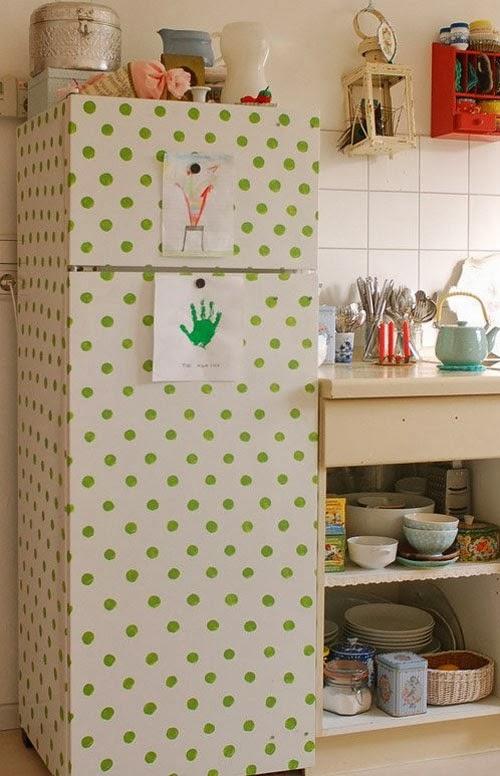 customizacao-geladeira-bolinhas-pintadas.jpg