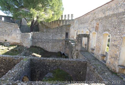 Glória Ishizaka - Tomar - Castelo 1 - ruinas