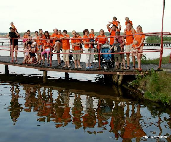 Od lewej: Irek z Natim, Magdowka i Zosia, Ciborka z Marysią, iwona.art z Błażejkiem, endrju z Fifkiem, Wujek Uuu z Bianką, Bogdan z Julią, Bataga, Daga z Fifkiem, eelusiaa z Adasiem, Ewelkaa, Daniel z Cypkiem, Iwona K z Wojtkiem, magura z Cysiem i Lusi z Zosią