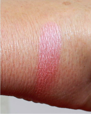 Maybelline Master Hi Light Blush Pink Rose swatch