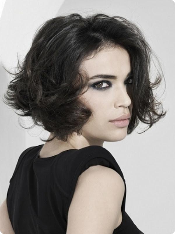 medium-wavy-bob-hairstyles-2012-