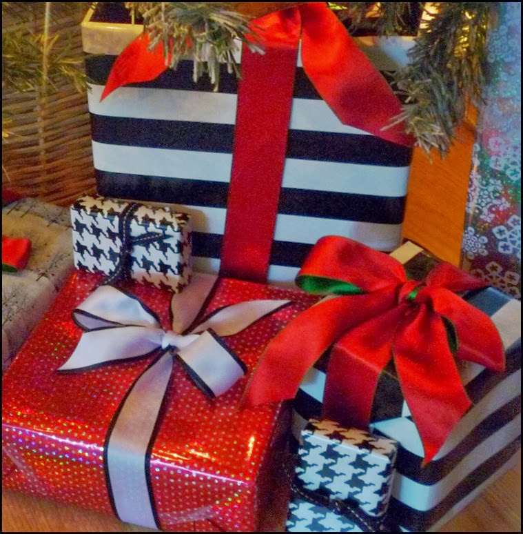 gifts wrapped 003 (784x800)