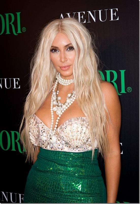 kim-kardashian-mermaid-halloween-3