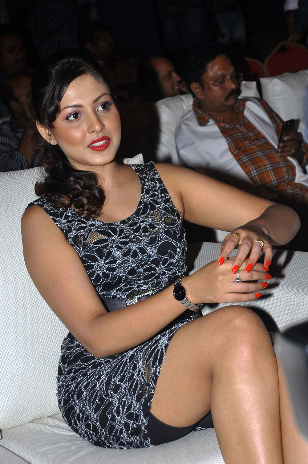 film actress india madhu shalini big thighs photos