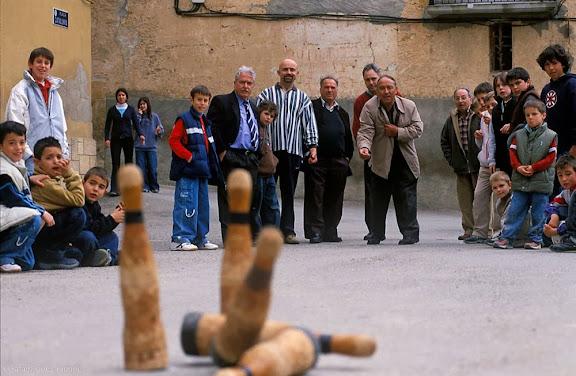 Joc de bitlles, Divendres Sant, Setmana SantaLa Palma d'Ebre, Ribera d'Ebre, Tarragona2005.03