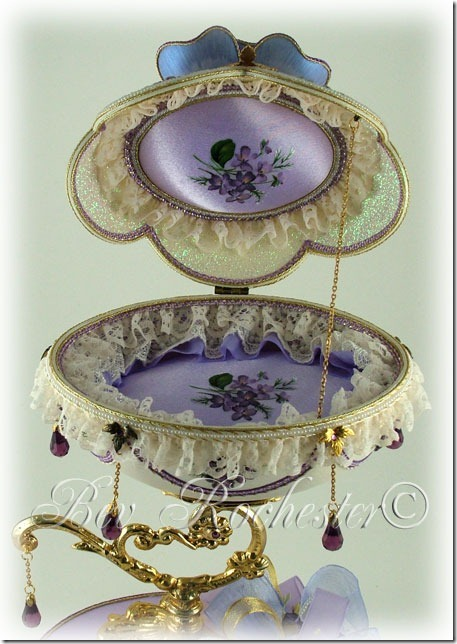 Bev-Rochester-Lilac-and-Lavender-Faberge-egg-1