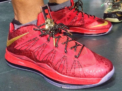 nike lebron 10 low pe championship red 1 01 Nike Air Max LeBron X Championship Red Friends & Family PE