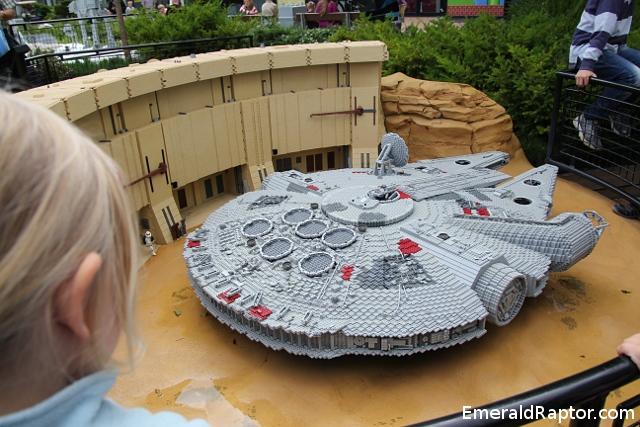 Millenium falcon in lego