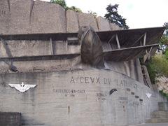 2005.07.30-018 monument A ceux du Latham-47