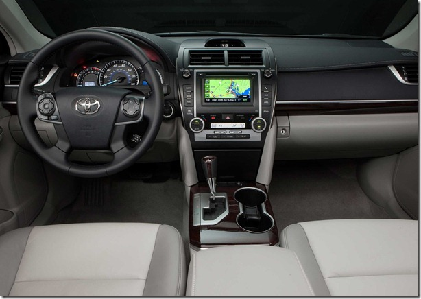 Toyota-Camry_2012_1600x1200_wallpaper_13
