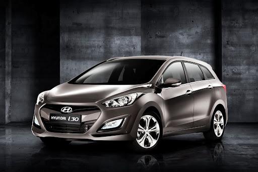 2012-Hyundai-i30-Wagon-01.jpg