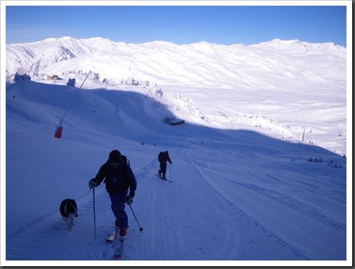 Cap de Baqueira 2466m desde Parking Orri con esquis (Baqueira, Valle de Aran, Pirineos) 2944