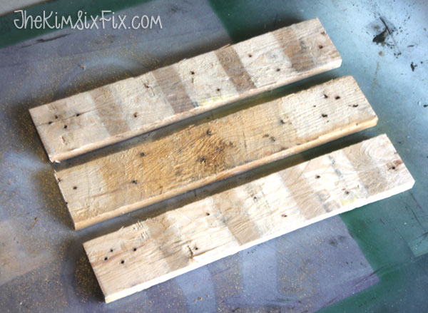 Reclaimed pallet wood