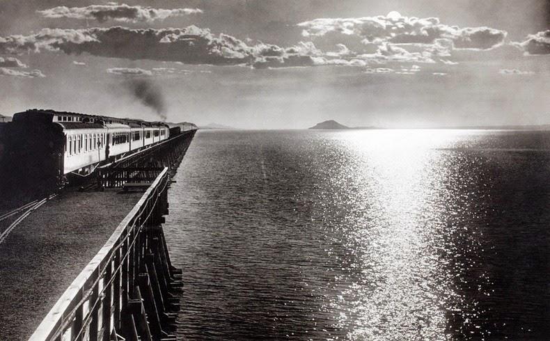 great-salt-lake-causeway-1