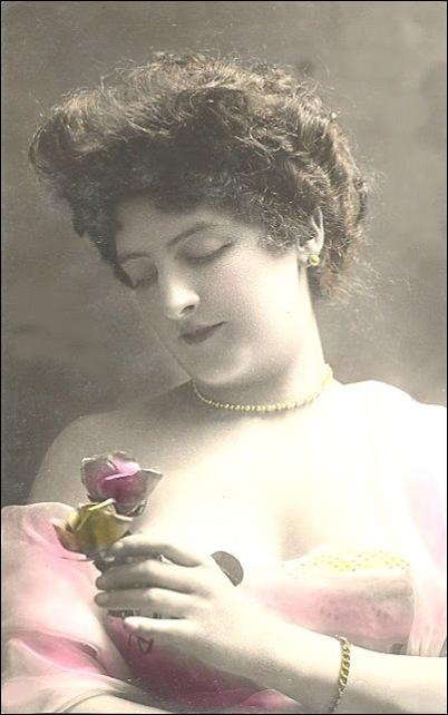 1908 therose