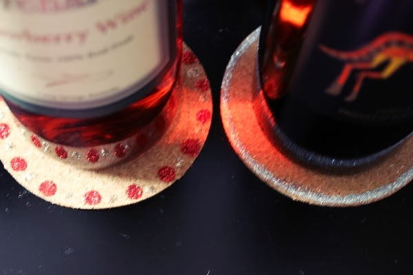 DIY Cork Coasters Wine Tag - Makes a great Christmas gift craft.