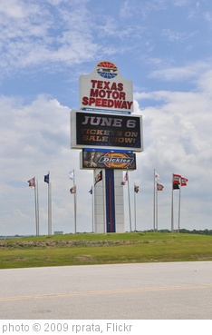 'Texas Motor Speedway' photo (c) 2009, rprata - license: http://creativecommons.org/licenses/by-sa/2.0/