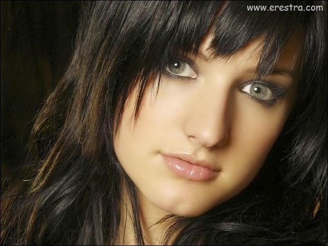 Ashlee Simpson16.