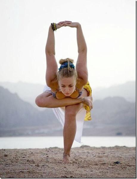 girls-stretching-yoga-050