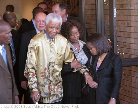 'Nelson Mandela' photo (c) 2008, South Africa The Good News - license: https://creativecommons.org/licenses/by/2.0/