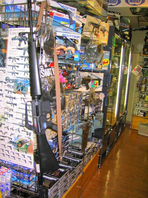 Very realistic toy guns for sale in Yokohama