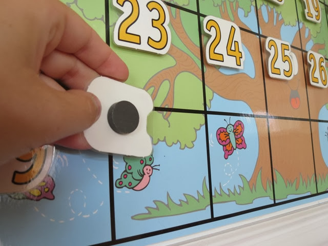 Classroom Magnetic Calendar www.stylewithcents.blogspot.com