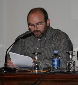Vicente Mota Alfaro lee su poema sobre al-Andalus.