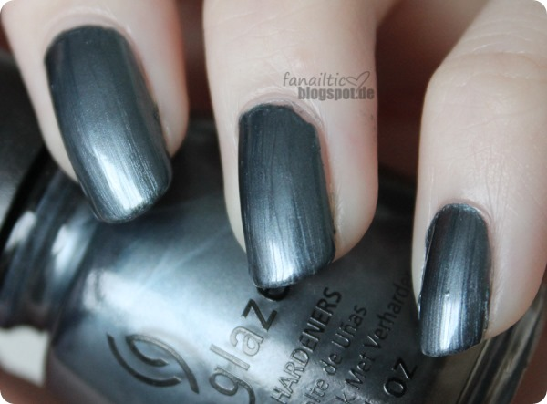 "China Glaze ""kiss my glass"""