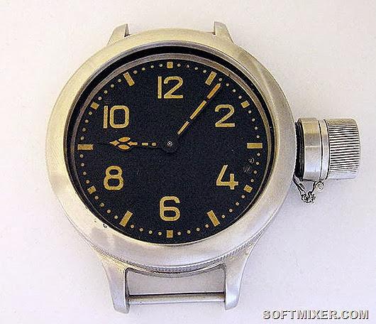 советский рекордсмен – старые водолазные часы ЗЧЗ. Глубокие цифры заполнены радиевой краской. Фонят 8000-12000 мкР ч (~ 80-120 мкЗв ч)
