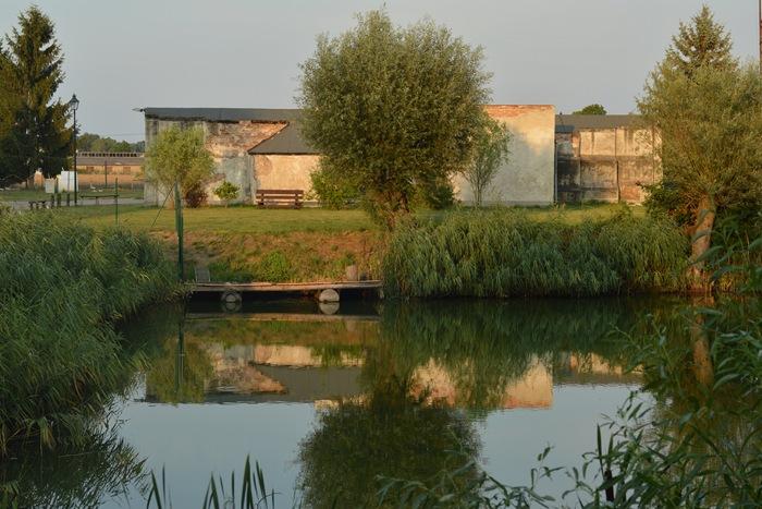 Gorgast moat reflection