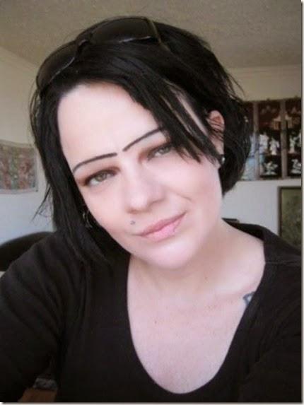 women-scary-eyebrows-059