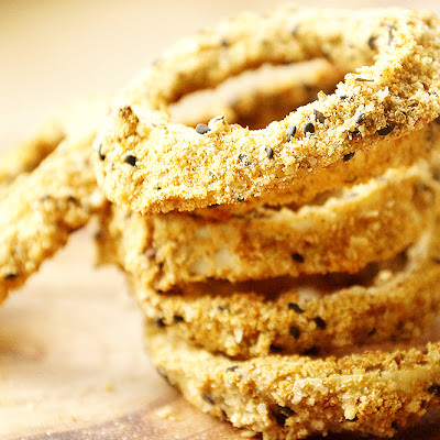 Crispy Baked Onion Rings with Healthy Homemade Breading