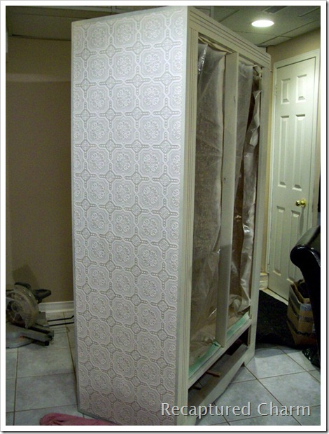 Armoire Wallpapered 050a