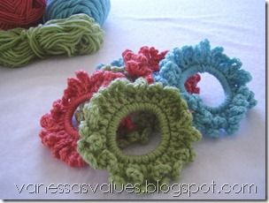 crocheted ponytail holder tutorial
