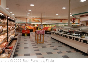 'Inside Kroger' photo (c) 2007, Beth Punches - license: http://creativecommons.org/licenses/by-nd/2.0/